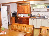 写真:No.9邸-団地のキッチンリビング 予算3万円で大改造