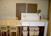 写真:No.40邸-壁の少ない部屋のためにステキなアイランドキッチンを!